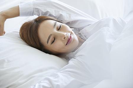 睡眠不足がデブ化の原因!? ダイエットのための睡眠術